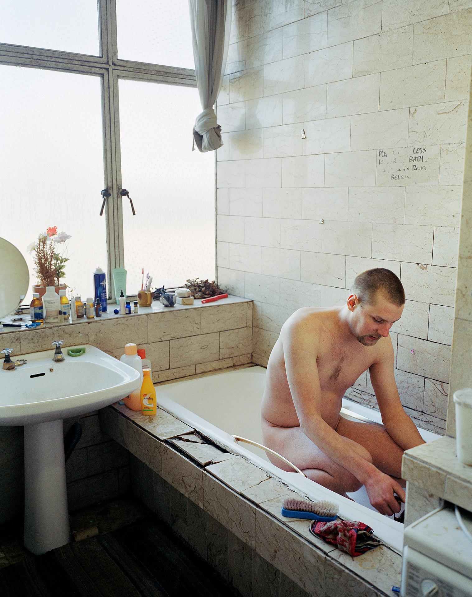 Pekka_morning_wash_1920px